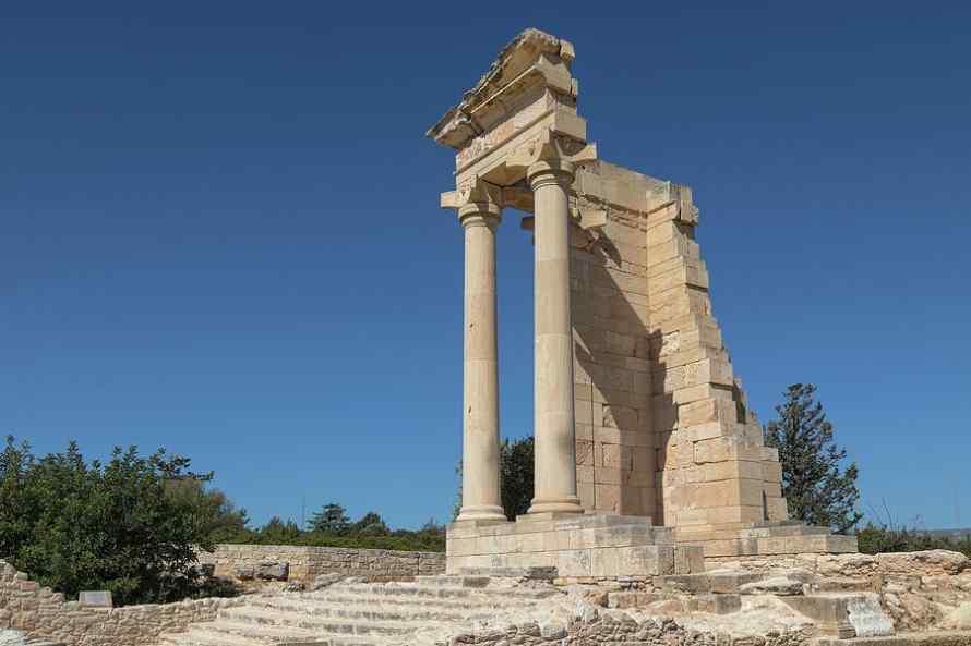 วิหารอพอลโล ( The Sanctuary of Apollo Hylates )