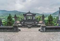 ทัวร์เอเชีย 1 ใน 7 ของพระราชสุสานของกษัตริย์แห่งราชวงเหงียน พระราชสุสานไคดิงห์