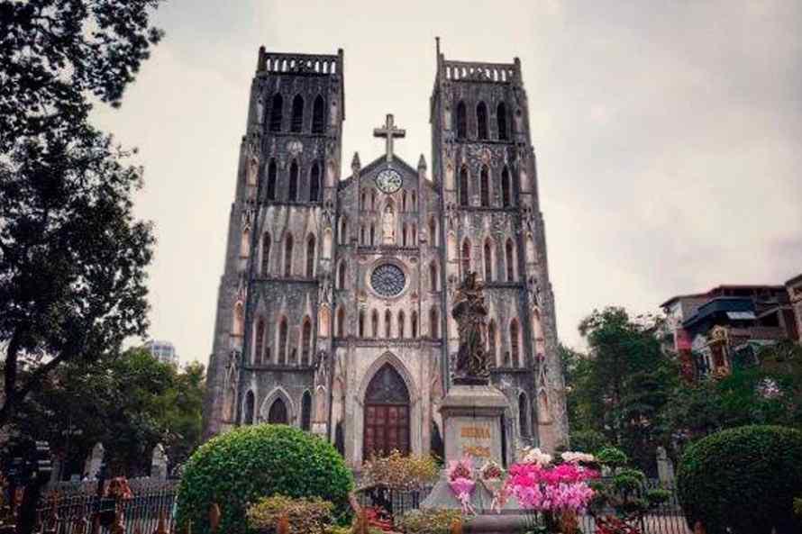 โบสถ์เซนต์โจเซฟ (St. Joseph Cathedral)