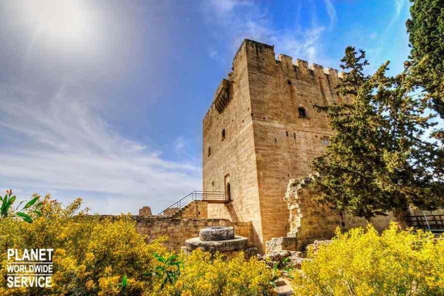 บ้านอุสโทลิออส House of Eustolios