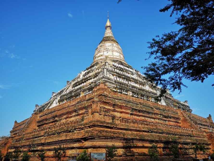 เจดีย์ชเวสิกอง (Shwesandaw Pagoda)