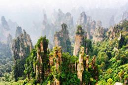 เขาเทียนจื่อซาน (Tianzi Shan) แหล่งท่องเที่ยวเมืองจางเจียเจี้ย